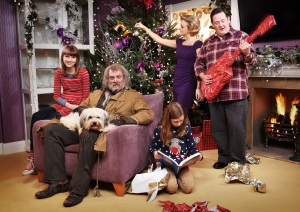 Picture Shows: L - R Chloe (NELL TIGER-FREE), Duchess (PUDSEY), Mr Stink (HUGH BONNEVILLE), Annabelle (ISABELLA BLAKE-THOMAS), Mum (SHERIDAN SMITH), Dad (JOHNNY VEGAS) - (C) BBC - Photographer: Gary Moyes